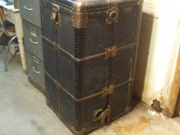 Antique Wardrobe Trunk Lookup Beforebuying Images 97