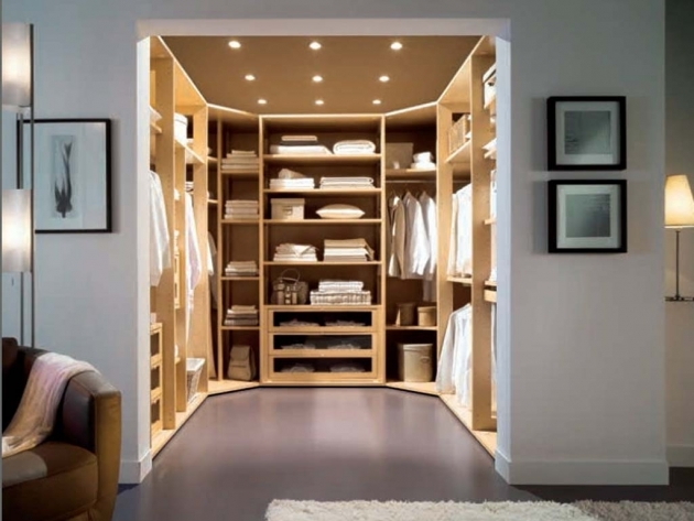 Closet Layout Ideas Apartments Amazing Closet Layout Design Ideas With Clothes Hangers Pic