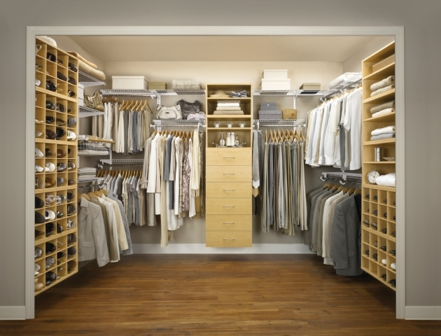 Rubbermaid Closet Organizer How Do I Optimize The Space In My Walk In Closet Rubbermaid Images