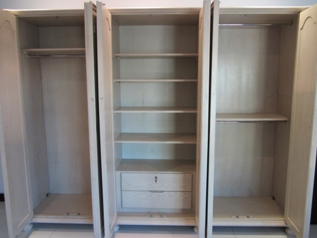 Wardrobe Cabinet For Sale For Sale Wardrobe Cabinet Mums In Bahrain Picture
