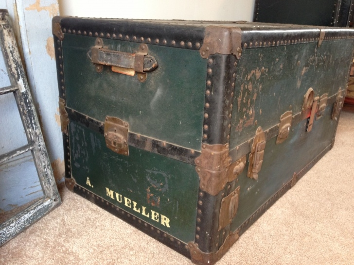Astonishing Vintage Steamer Trunk S Vintage 1950S Steamer Trunk Use As Coffee Reproduction Steamer Wardrobe Trunk Pics
