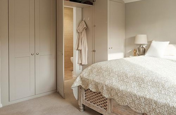 Fascinating From Handbags To An En Suite - This Wardrobe Fits Everything In! En Suite Wardrobe Photo