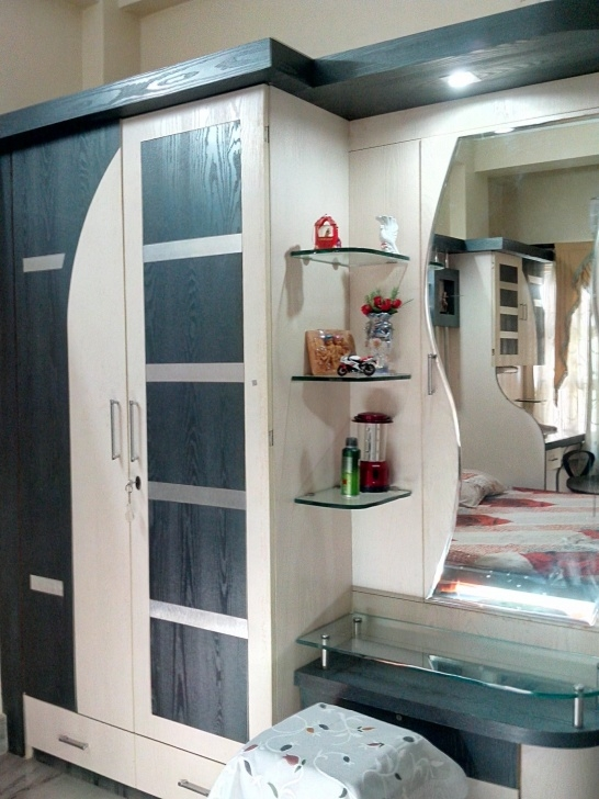 Picture of Wardrobe Design In Bedroom Provisioning Dressing Table - Gharexpert Guddes Almari Images